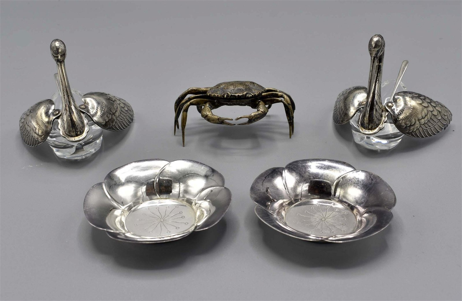 GROUP OF JAPANESE SILVER TABLE ITEMS