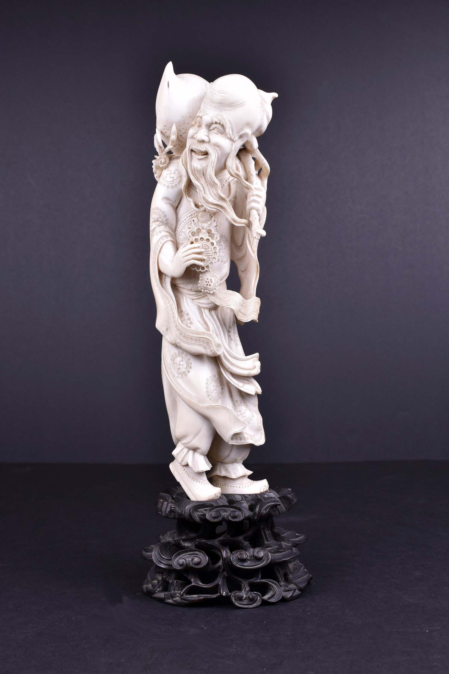 CHINESE CARVED FIGURE OF SHOU LAO