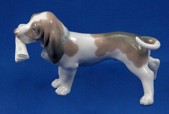 4: Lladro Morning Delivery Dog #6398 Ret.Figurine