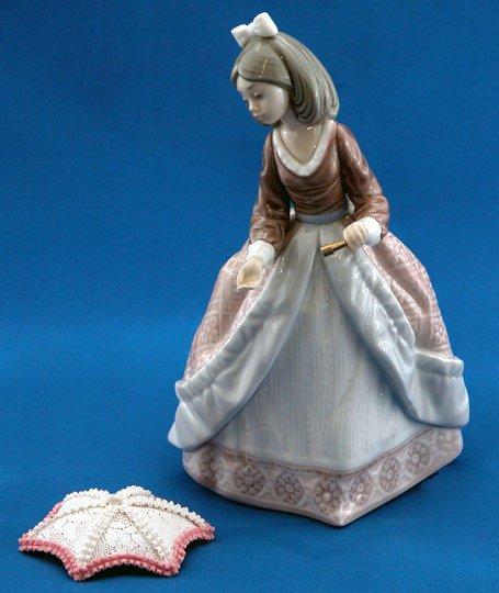 7: Lladro Angela #5211 Retired Figurine