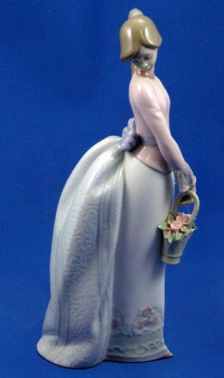 8: Lladro Basket of Love 1994  #7622 Ret.Figurine