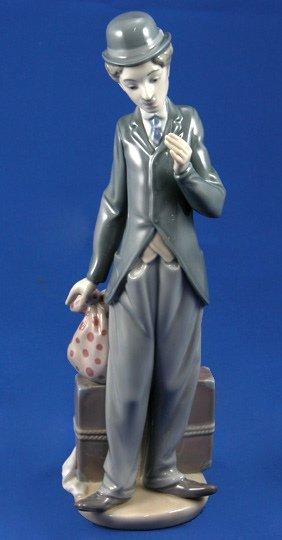 10: Lladro Charlie the Tramp  # 5233 Figurine