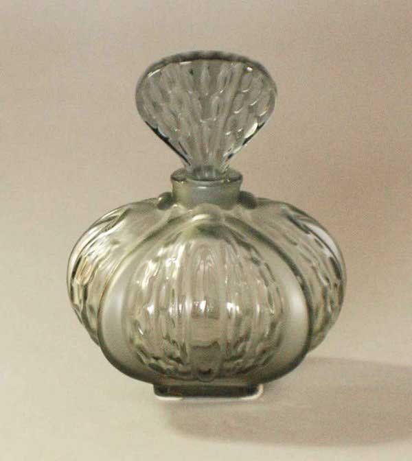 1017: LALIQUE MOLDED & TINTED CRYSTAL PERFUME BOTTLE
