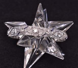 FINE ART DECO PLATINUM AND DIAMOND BRACELET