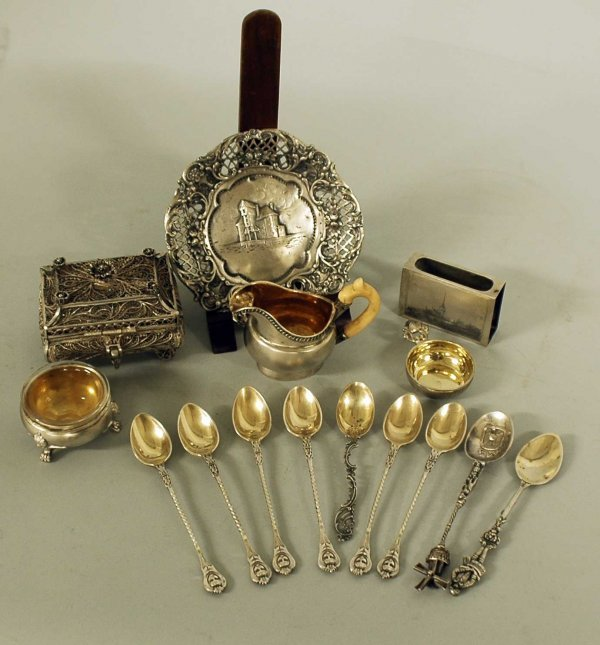 9: GROUP OF FIFTEEN ASSORTED SILVER ARTICLES