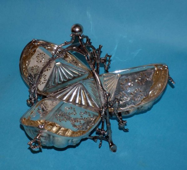 3: VICTORIAN SILVER PLATED MUFFENIER