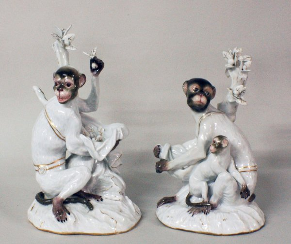 285: PAIR OF MEISSEN PORCELAIN GROUPS