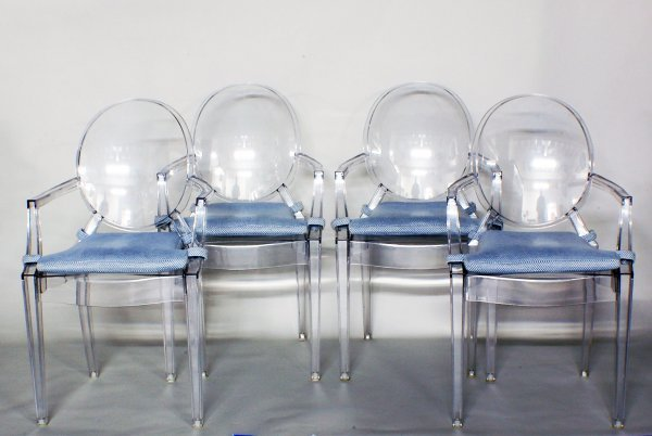 21: SET OF FOUR LUCITE DINING ARMCHAIRS