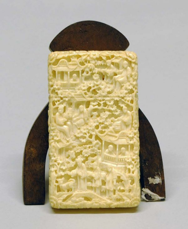 78: FINELY CARVED EXPORT IVORY CALLING CARD CASE