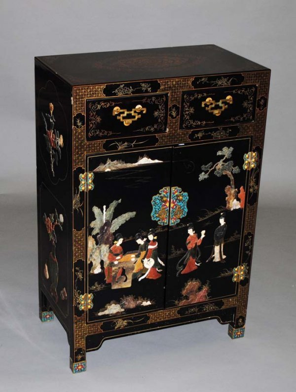 22: OVERLAID AND LACQUERED SIDE CABINET