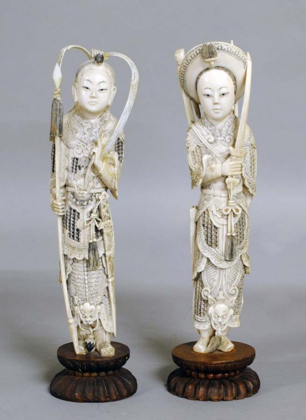 331: PAIR OF CARVED IVORY FIGURES OF WARRIORS