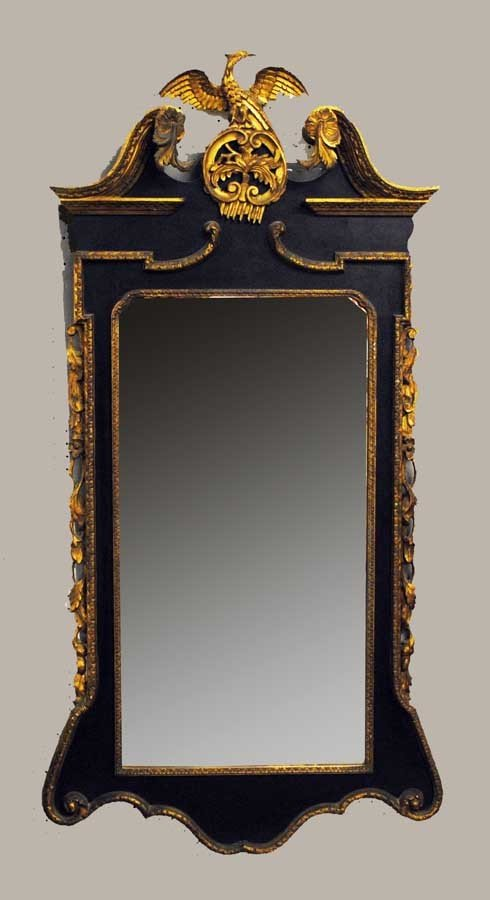 18: GEORGE II STYLE PARCEL GILT MAHOGANY LOOKING GLASS