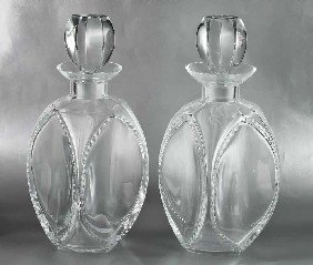 """14: PAIR OF LALIQUE CRYSTAL """"KENT"""" DECANTERS"""