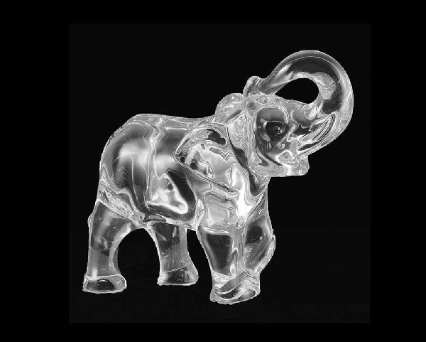18: BACCARAT CRYSTAL SCULPTURE OF AN ELEPHANT