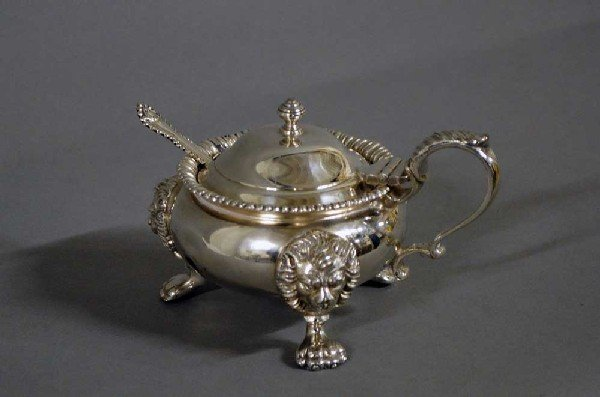 31: GEORGIAN STYLE SILVER PLATED MUSTARD POT