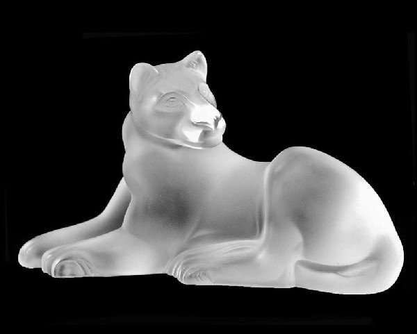 """54: LALIQUE MOLDED AND FROSTED CRYSTAL LIONESS """"SIMBA"""""""