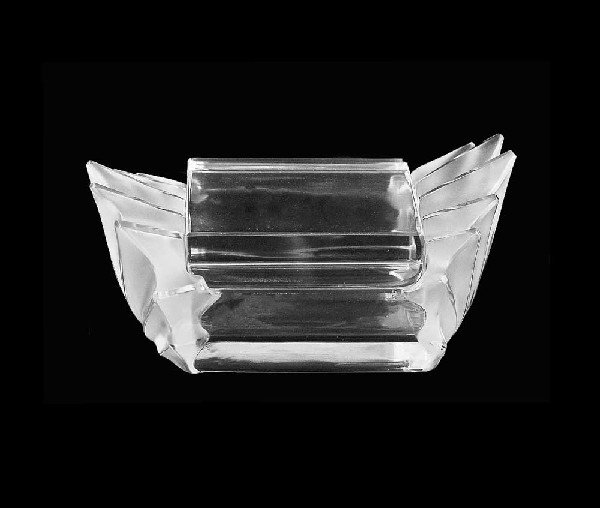 338: LALIQUE MOLDED FROSTED& CLEAR CRYSTAL BOX & COVER