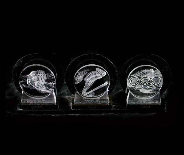 344: SET OF 3 LALIQUE MOLDED CRYSTAL OLYMPIC MEDALLIONS