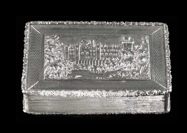 311: VICTORIAN STERLING SILVER SNUFF BOX