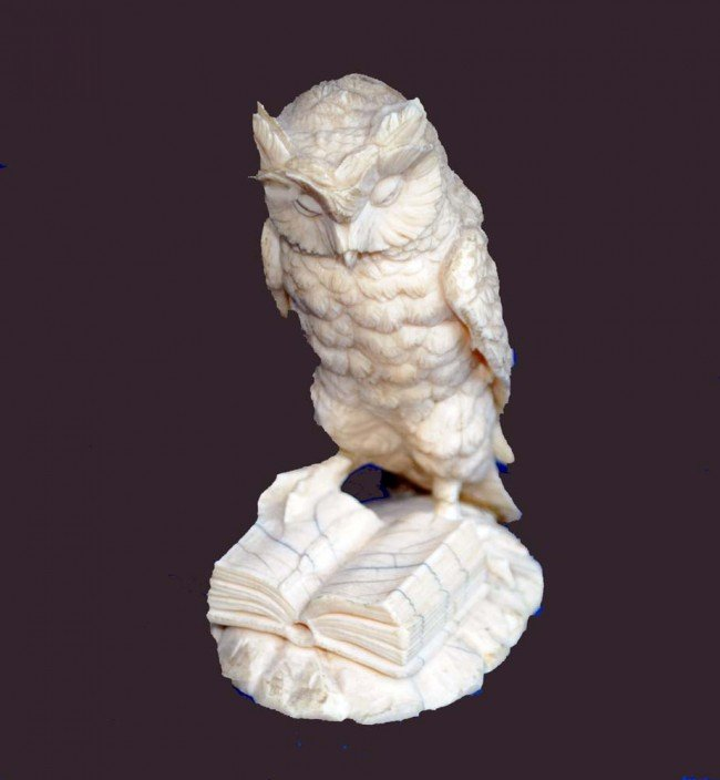 8: CONTINENTAL CARVED IVORY FIGURE OF AN OWL