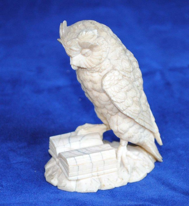 8: CONTINENTAL CARVED IVORY FIGURE OF AN OWL - 2