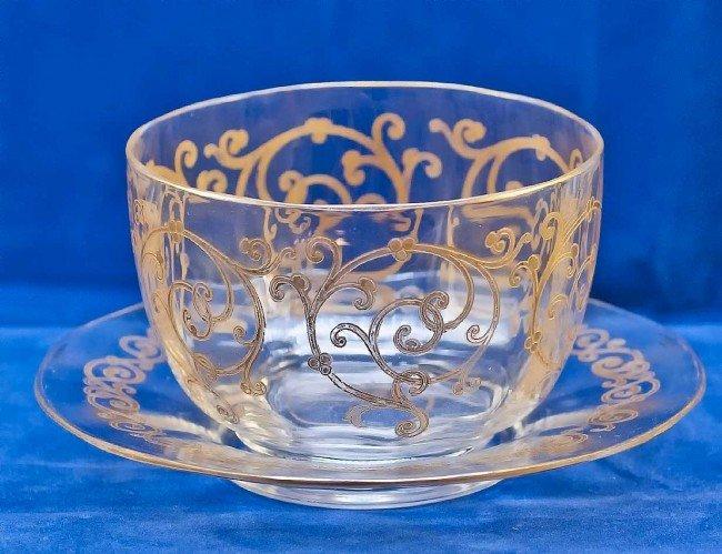 17: SET OF 10 GILT ENAMELED GLASS FINGER BOWLS & STANDS