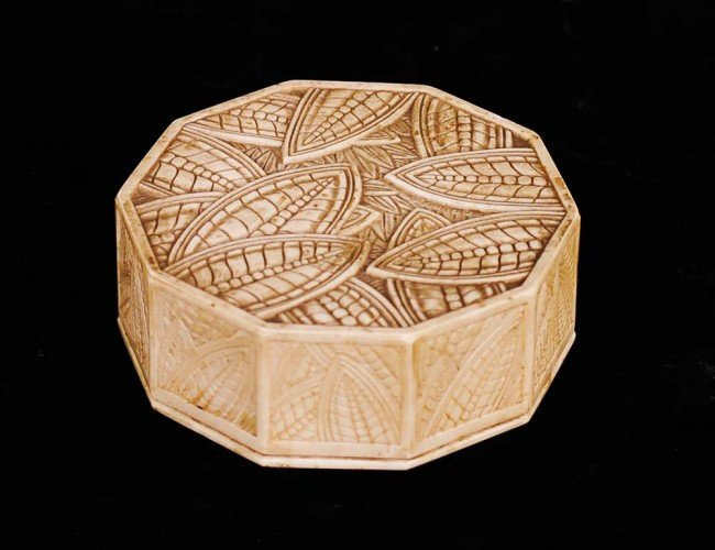 310: CARVED IVORY BOX AND COVER