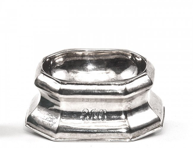 6: GEORGIAN STERLING SILVER OPEN SALT