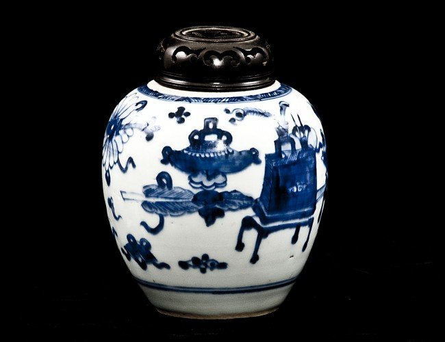 14: BLUE AND WHITE PORCELAIN JAR
