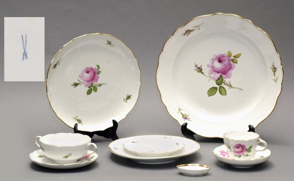 112: 49 Pieces Meissen Porcelain Partial Dinner Svc