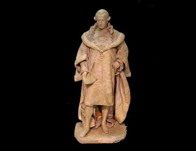23: PAINTED PLASTER FIGURE OF A NOBLEMAN