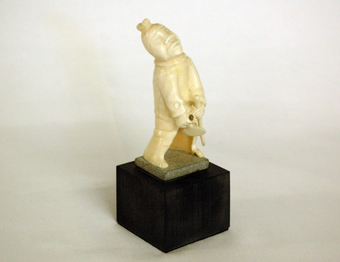 5: CARVED BONE FIGURE OF INUK