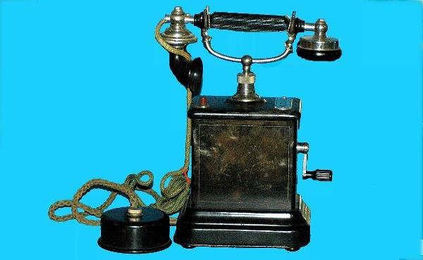 17: Antique Kjobenhavns European Crank Telephone