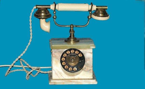 20: Antique Onyx Cradle Telephone