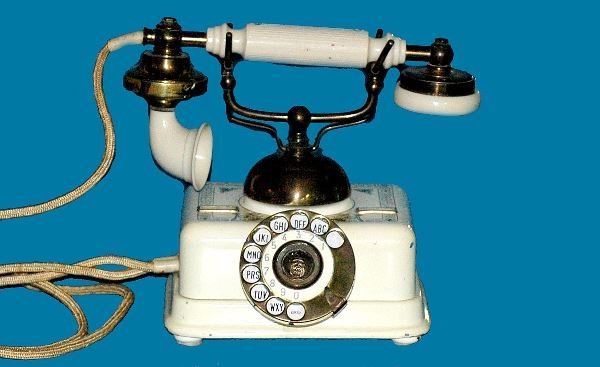 21: Antique Kjobenhavns White Cradle Telephone