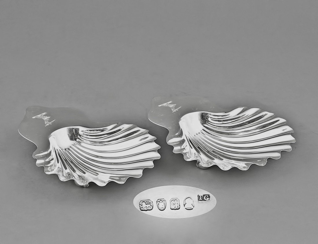 39: PAIR OF GEORGE III STERLING SILVER BUTTER DISHES