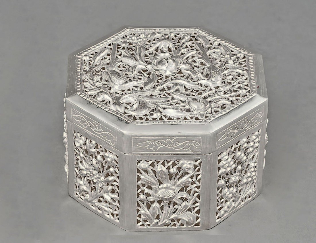 65: EXPORT RETICULATED SILVER BOX