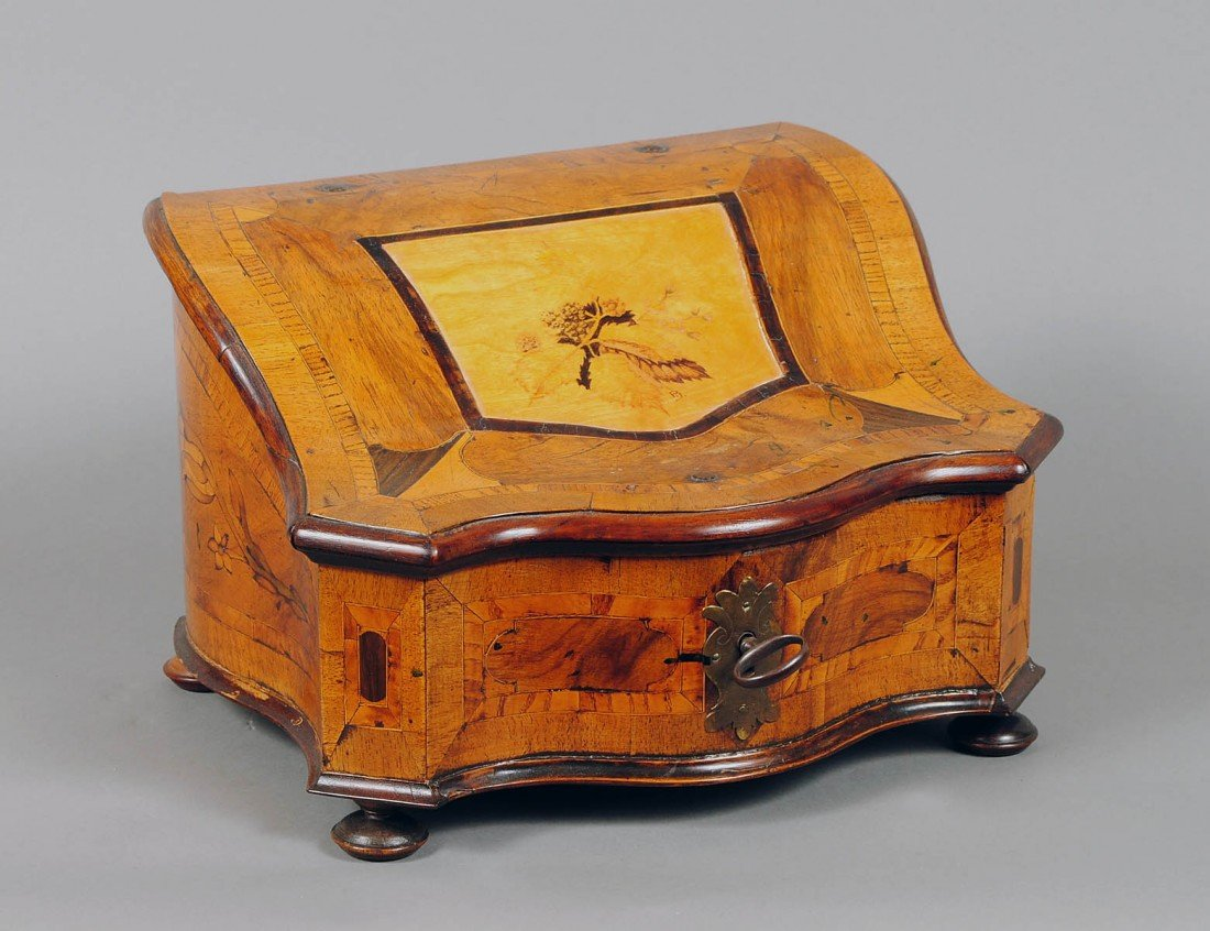 71: VERY FINE CONTINENTAL INLAID WOOD BOX