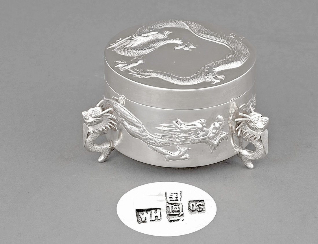 166: EXPORT SILVER BOX AND COVER