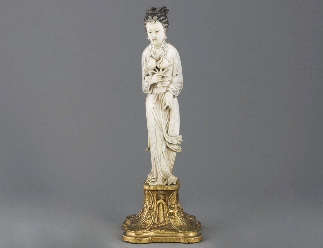 167: FINELY CARVED IVORY FIGURE OF A MAIDEN
