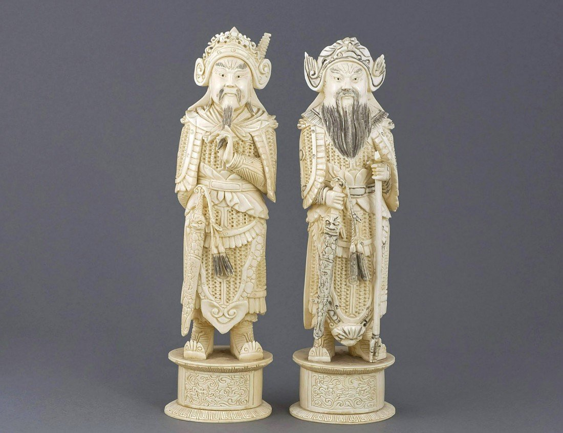 168: PAIR OF CARVED IVORY WARRIORS
