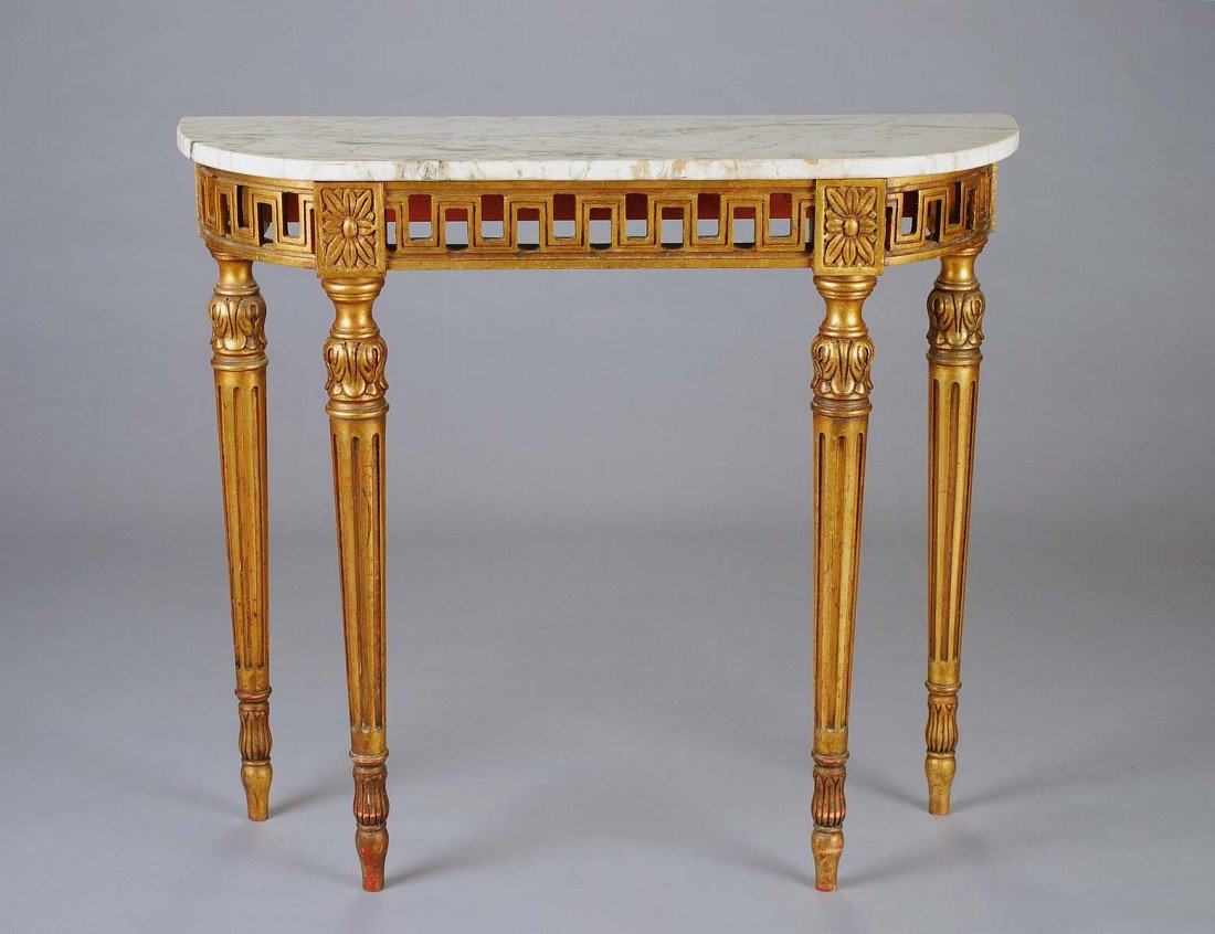 18: NEO-CLASSICAL STYLE CARVED AND GILTWOOD CONSOLE TAB