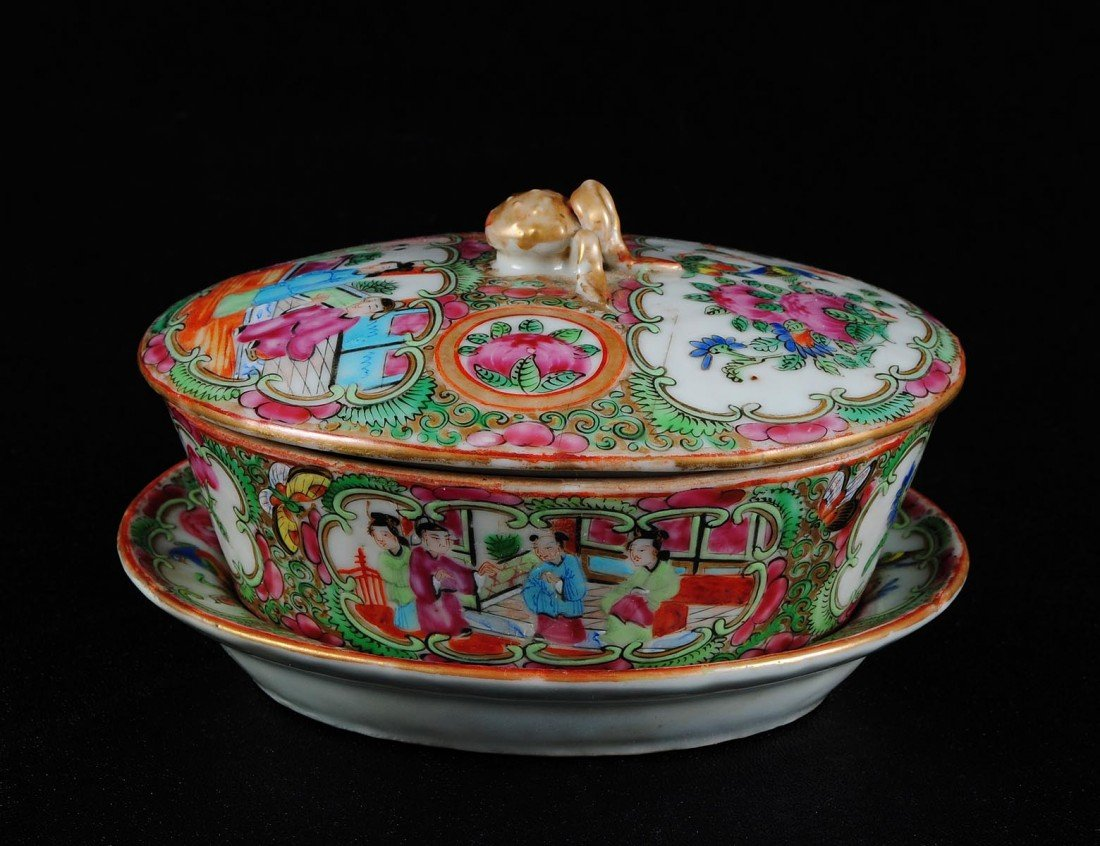 7: ROSE MEDALLION PORCELAIN DISH, COVER AND STAND