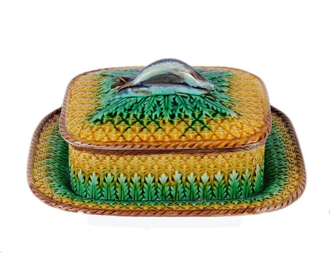 2: MAJOLICA BUTTER DISH AND COVER