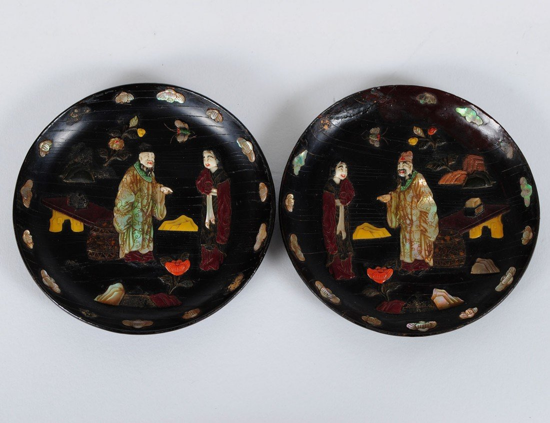 12: PAIR OF OVERLAY LACQUER SMALL DISHES