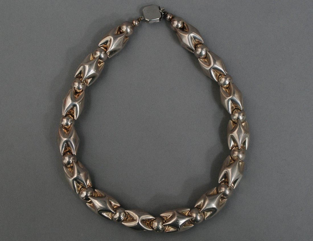 28: STERLING SILVER NECKLACE