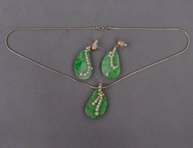 THREE PIECE JADE, SEED PEARL AND STERLING SILVER SU