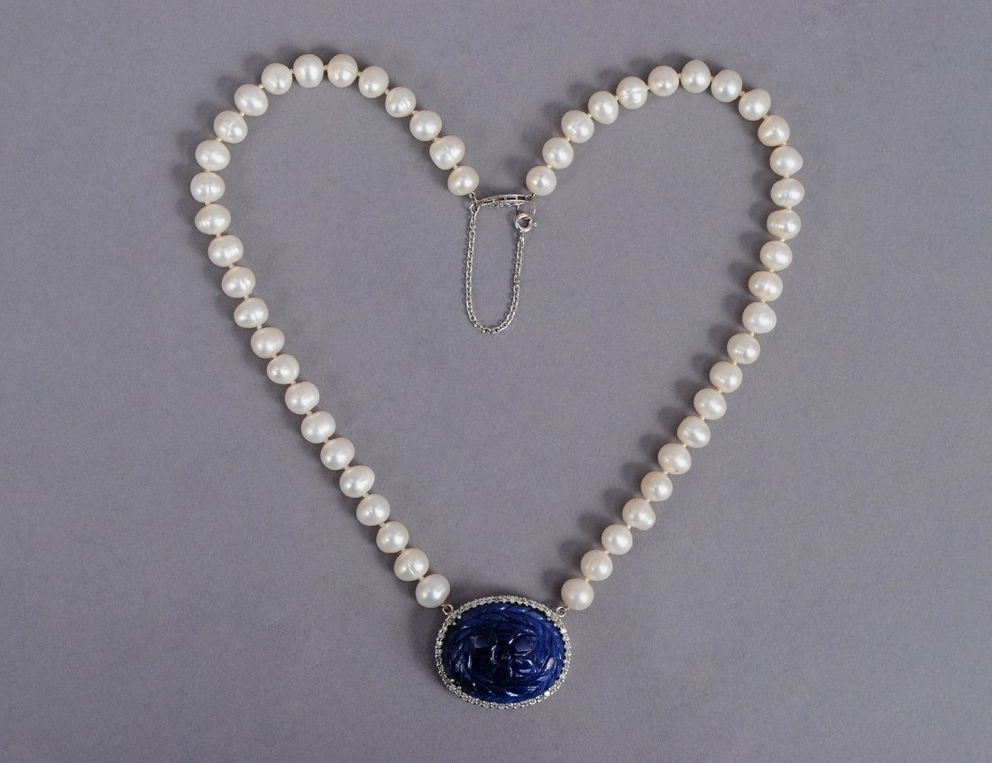 78: CARVED MOGHUL SAPPHIRE, DIAMOND AND PEARL NECKLACE