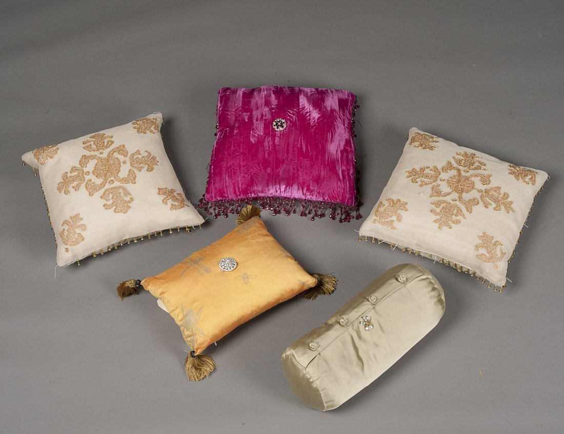 """312: GROUP OF FIVE ASSORTED PILLOWS WITH """"JEWELS"""""""