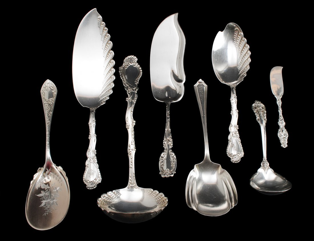 302: GROUP OF FIVE STERLING SILVER FLATWARE PIECES